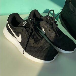 Women's Nike Athletic Shoe